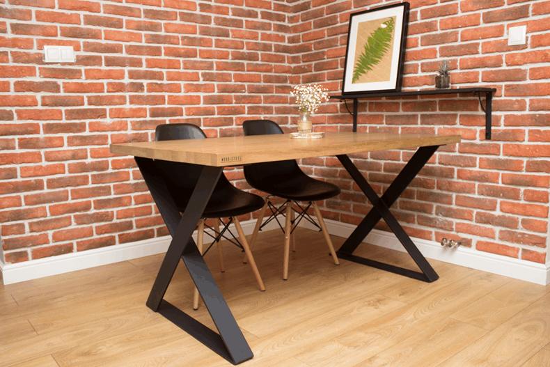 Loftowy stół dojadalni