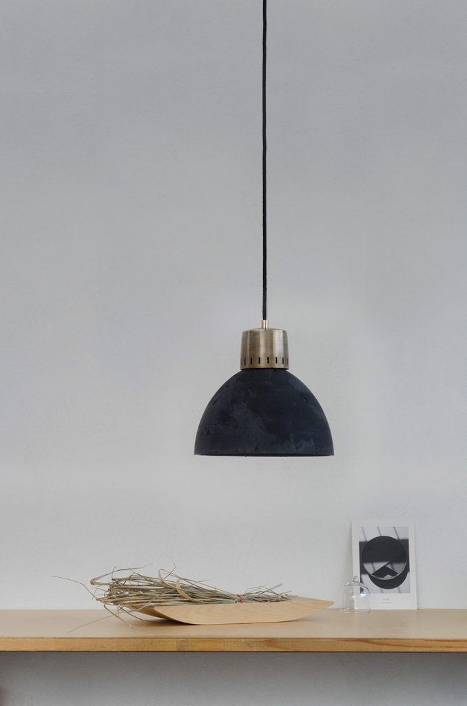 betonowa lampa w stylu loftowym