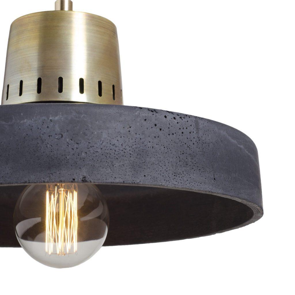 wisząca lampa betonowa mosiądz