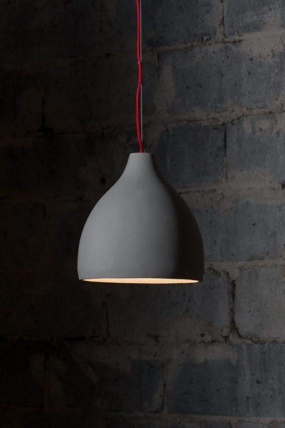 betonowa lampa do salonu