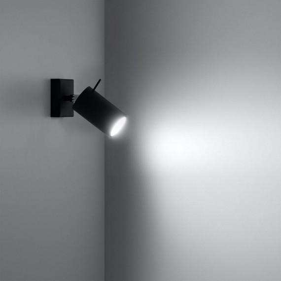 stalowy kinkiet na ścianę