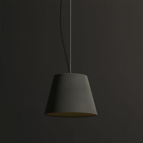 Lampa z betonu Kopa 36 Velvet 01
