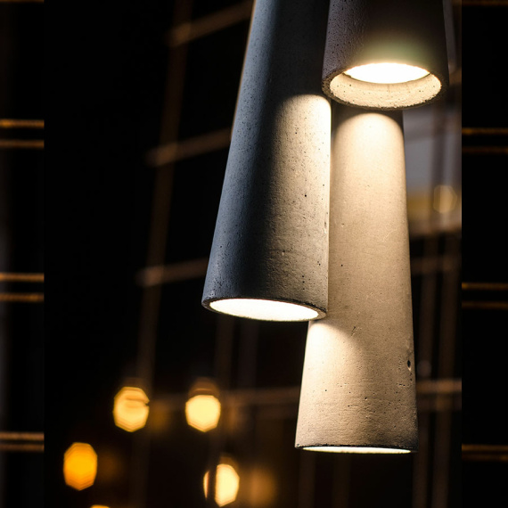Industrialna lampa betonowa Sopel 01