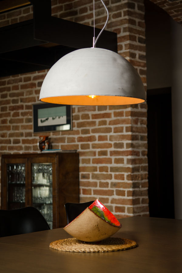 Betonowa lampa nad stół Sfera L kolor Natural